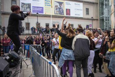 Jhana Beat en la plaza del Reina Sofía
